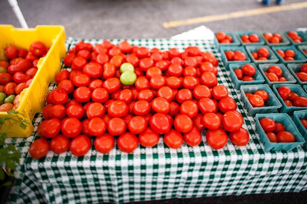 Clintonville-Farmers-Market-Columbus-2011-Tomatoes