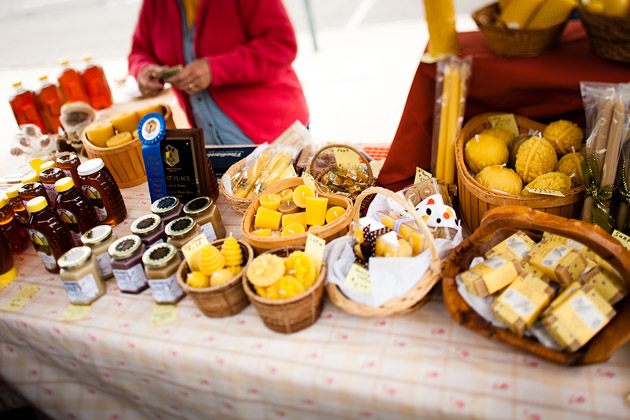Clintonville-Farmers-Market-Columbus-2011-Barrys-Bees