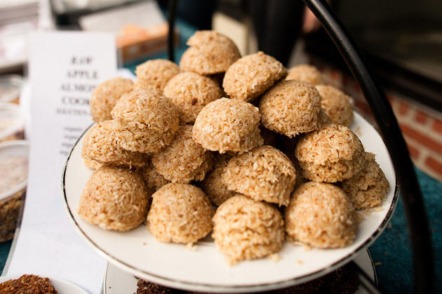 Clintonville-Farmers-Market-Columbus-2011-Delicious-Treats