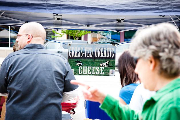 Clintonville-Farmers-Market-Columbus-2011-Organic-Cheese