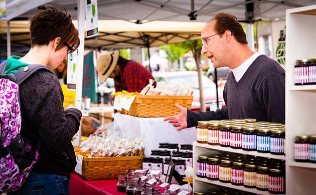Clintonville-Farmers-Market-Columbus-2011-Sweet-Things-Gourmet-Tent