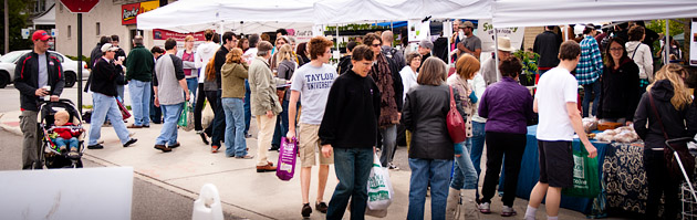Clintonville-Farmers-Market-Columbus-2011-Local-Shoppers