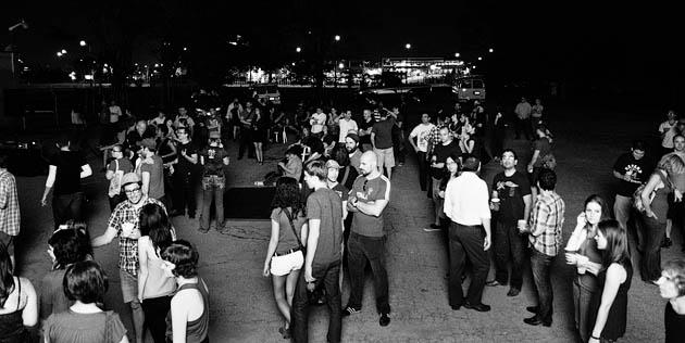 Agora-8-Junctionview-Studios-Columbus-Ohio-2011-Gathering-Crowds