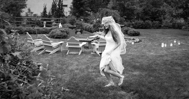 Cholle-Ugur-Gulcer-Wedding-Columbus-Ohio-Running-Barefoot