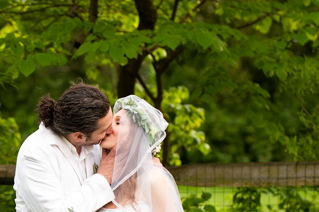 Cholle-Ugur-Gulcer-Wedding-Columbus-Ohio-Romantic-Kiss