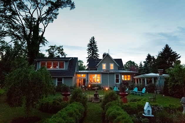 Cholle-Ugur-Gulcer-Wedding-Columbus-Ohio-Outdoor-Garden-Sunset