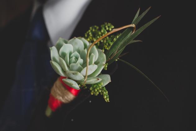 EcoFlora-Boutonniere-Columbus-Ohio-Wedding-Camp-Mary-Orton