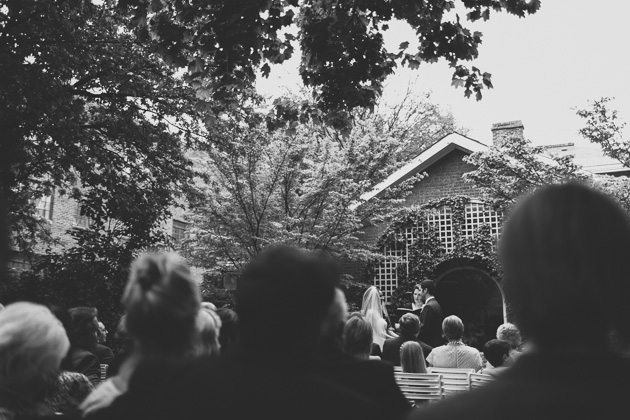 Outdoor-Wedding-Ceremony-The-Kelton-House-Columbus
