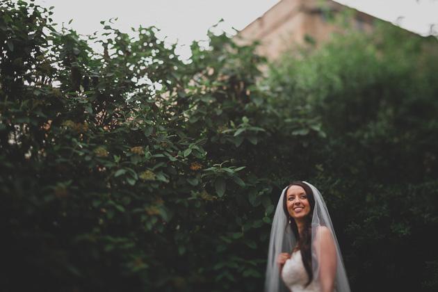 Bride-Portraits-outside-The-Kelton-House-Columbus-Ohio