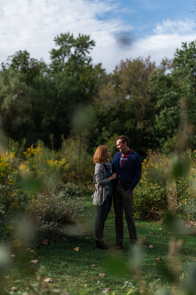 Ben_Claire_Columbus-Engagement-Session-Park-Of-Roses